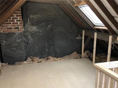 Mini loft room