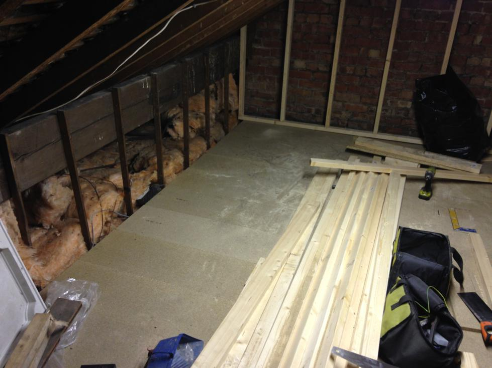 Mini Loft Conversion - Day 1 - Get floor sub-frame and boards down