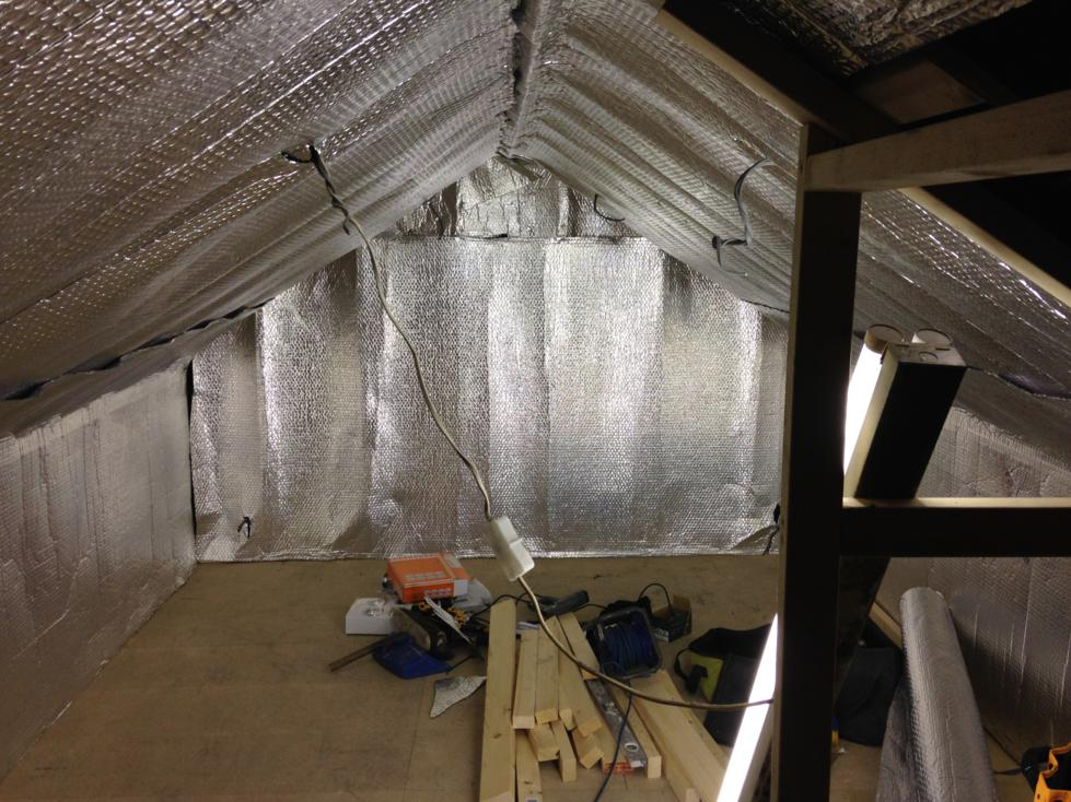 Mini Loft Conversion - Day 3 - Double foil bubble insualtion to walls and roof