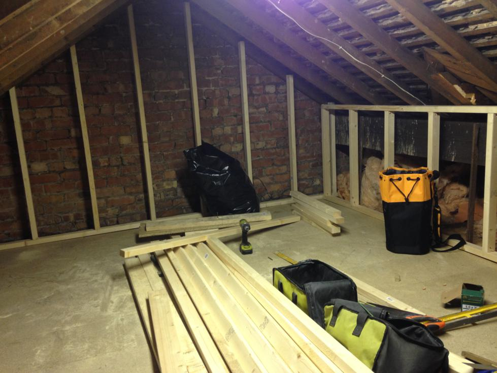 Mini Loft Conversion - Day 2 - Build walls up and create partition doorway